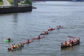 Paddeln gegen Moorburg auf der Elbe