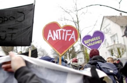 ♥ Antifa bei den Protesten gegen den AfD Bundesparteitag in Hannover