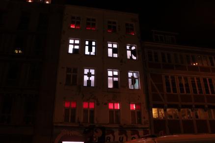 Fuck AfD auf Fasade der Druckerei im Gängeviertel